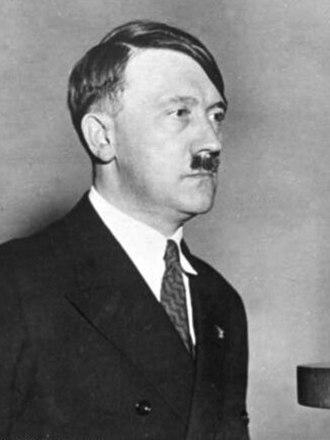 March 1933 German federal election - Image: Bundesarchiv Bild 183 1987 0703 506, Adolf Hitler vor Rundfunk Mikrofon retouched