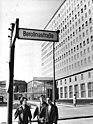 "Bundesarchiv Bild 183-C0417-0007-002, Berlin, Hotel ""Berolina"".jpg"