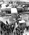 Bundesarchiv Bild 183-J0304-0001-008, Leipzig, Frühjahrsmesse, Freigelände, Container, Sattelauflieger, Winter.jpg