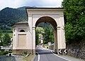 Cappella ll'ingresso di Vilminore di Scalve (Foto Luca Giarelli).jpg