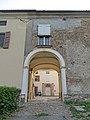Castello (Segalara, Sala Baganza) - ingresso alla corte 2019-09-16.jpg