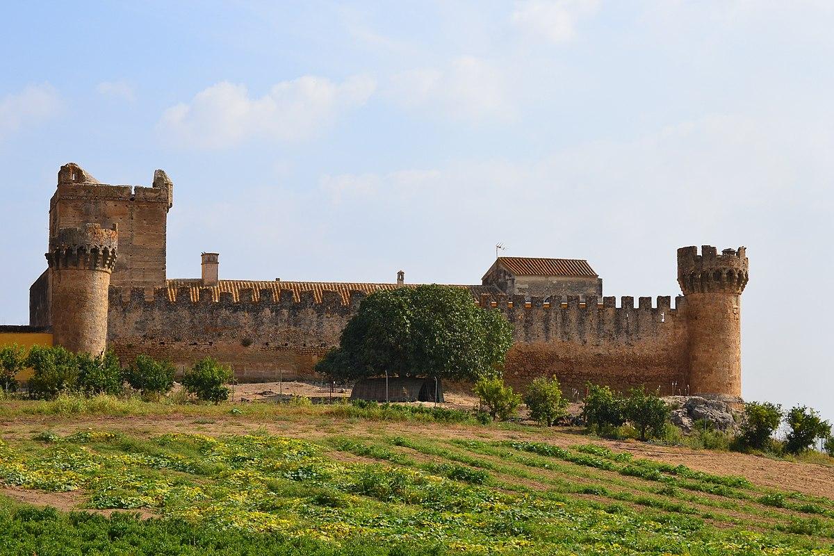 Castillo de marchenilla wikipedia la enciclopedia libre for Piscina alcala de guadaira