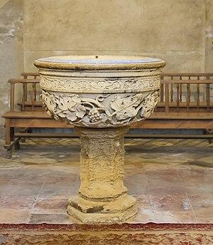Toulouse Cathedral - Image: Cathédrale Saint Étienne de Toulouse – Nef romane « raimondine » Font