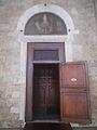 Cattedrale di Rieti - ingresso di sinistra.JPG