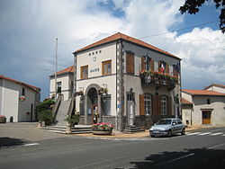 Chappes mairie.jpg