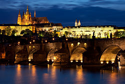 Charles bridge Prague - tunliweb.no.jpg
