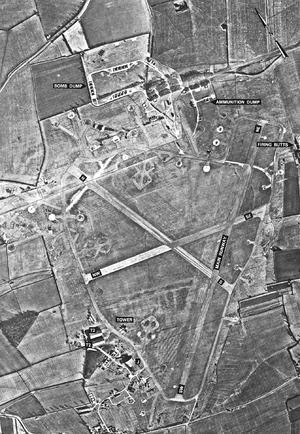 Chelveston-05-1945