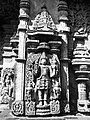 Chennakeshava temple Belur 355.jpg