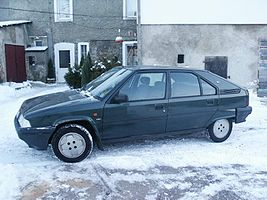 Citroen BX in snow.jpg