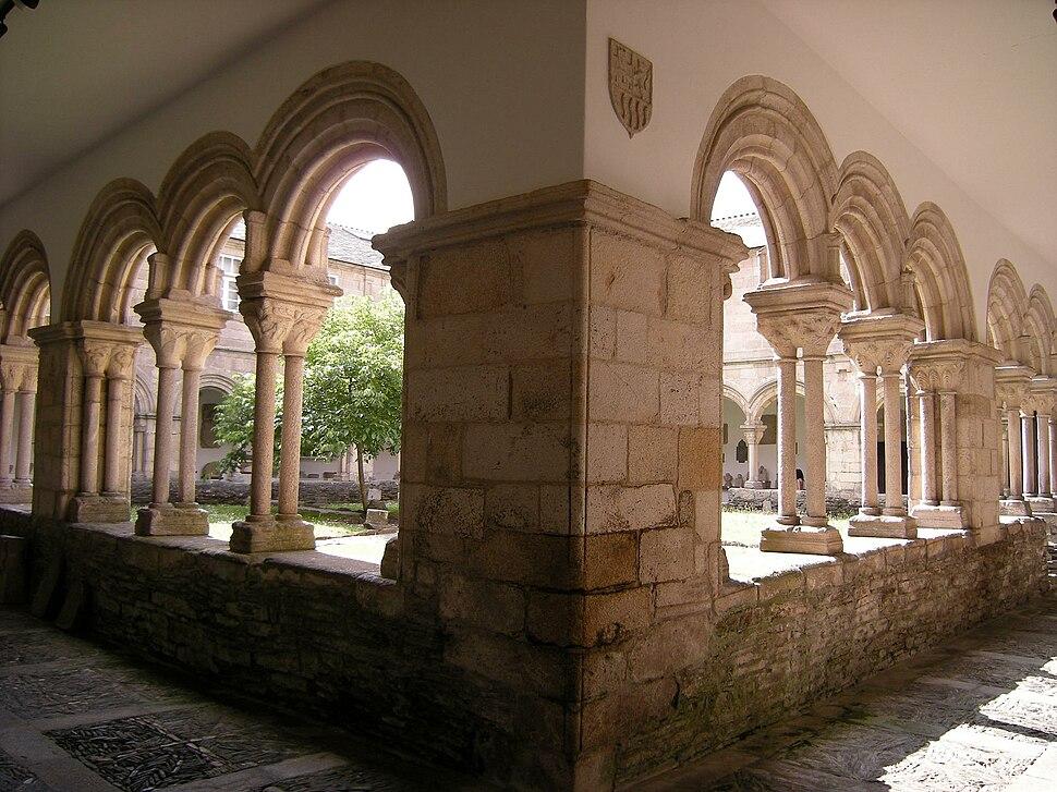Claustro convento de San Francisco - Museo Provincial de Lugo