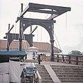 Collectie NMvWereldculturen, TM-20027604, Dia, 'Becak bij de Hollandse ophaalbrug over de Kali Besar', fotograaf Boy Lawson, 1971.jpg