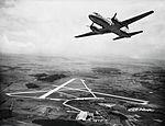 """Convair CV-240-11, HB-IRP """"Grisons"""" im Flug über Zürich-Kloten.jpg"""