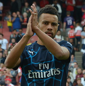 Francis Coquelin - Coquelin warming-up during the 2015 Emirates Cup