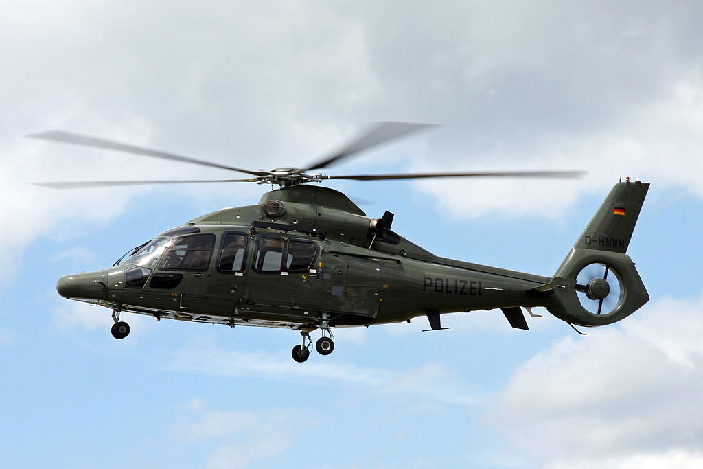 1024px-D-HNWM_Eurocopter_EC-155B_German_Police_DUS_23JUN12_%287430356282%29.jpg