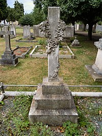 Dan Albone Grave.jpg