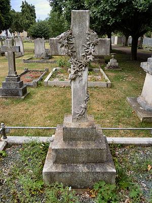 Biggleswade Cemetery - Image: Dan Albone Grave