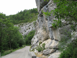 The Sisteron road, in Saint-Geniez