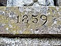 Date sur le fronton de l'oratoire du bois de la Marquerie.jpg