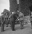De Amerikaanse ambassadeur bij de geallieerde regeringen, Drexel Biddle, bezoekt, Bestanddeelnr 934-9189.jpg
