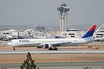Delta Air Lines Boeing 767-400; N836MH@LAX;17.04.2007-462ps (4269895277).jpg