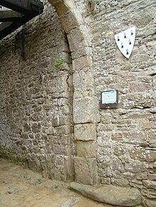 Chateau de Fort la latte 220px-Detail_Premier_chatelet