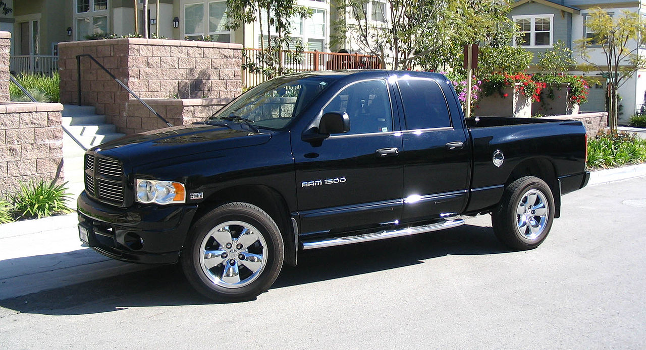 File Dodgeram1500 Crewcab Jpg Wikimedia Commons