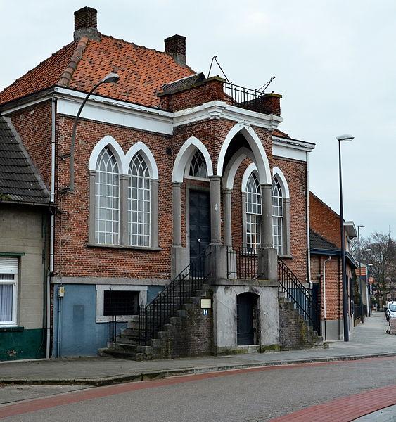 Oude Gemeentehuis Wuustwezel, Dorpsstraat 105