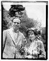 Doug. Fairbanks & Mary Pickford LCCN2016828120.jpg