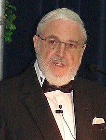 http://upload.wikimedia.org/wikipedia/commons/thumb/e/e4/Dr_MMihailide.JPG/220px-Dr_MMihailide.JPG