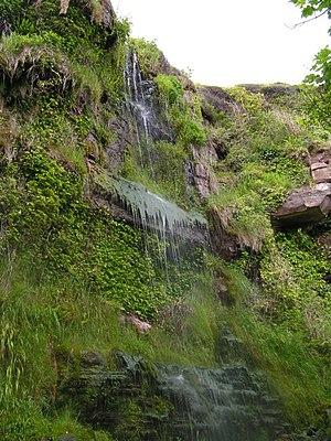 English: Dripping Cliffs on Orroland Shore