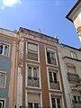 Edifício com platibanda adornada em Abrantes.jpg