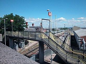 Ellesmere Port railway station - Image: Ellesmere Port Station geograph.org.uk 34831