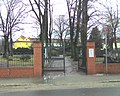 Entrance gate, Berlin-Bohnsdorf cemetery.jpg