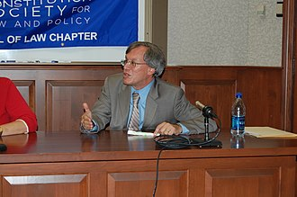Erwin Chemerinsky - Erwin Chemerinsky speaking at the William & Mary School of Law in September 2007.