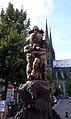 Escultura y catedral de Clermont-Ferrand.JPG