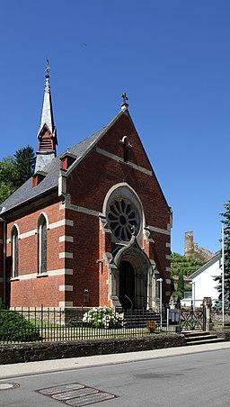 Evangelische Kirche Oberwesel, im Hintergrund der Pulverturm