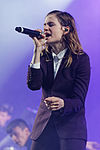 Festival des Vieilles Charrues 2014 - Christine and the Queens - 016.jpg