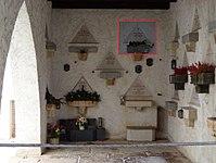 Feuerhalle Simmering, rechte Arkaden (Abteilung ARI) - Grabstelle von Irene Harand.jpg
