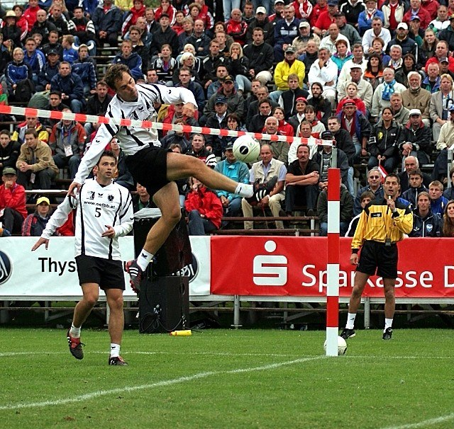 Fistball Spike