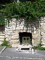Fontenay-en-Parisis (95), place du gué aux chevaux, ancienne fontaine de l'abreuvoir.jpg
