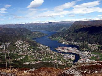 Førde (town) - View of the town with the fjord in the background