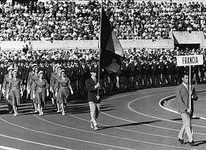 Christian d'Oriola - D'Oriola carrying French flag at the 1960 Olympics