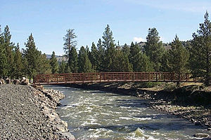 Fremont–Winema National Forest - Pedestrian bridge over the Chewaucan River in the Fremont NF