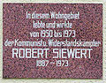 Gedenktafel Roemerweg 36 (Karlsh) Robert Siewert.jpg