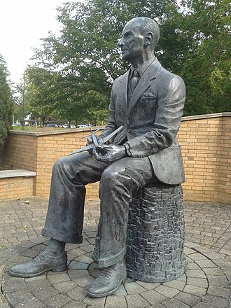 Geoffrey de Havilland - Statue at the University of Hertfordshire, Hatfield