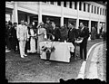 "Grace Coolidge and group with ""Buddy Poppies"" LCCN2016894258.jpg"