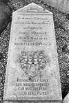 grafmonument bij nederlands hervormde kerk - stevensweert - 20205859 - rce