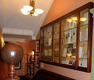 Simpson's-in-the-Strand - Chess memorabilia in the Grand Divan, 100 Strand