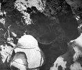 Gravurna täckt med två stenar. Se . Nordenskiöld, Forskningar och äventyr etc - SMVK - 004929.tif