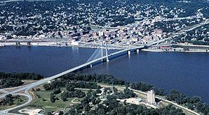 Burlington mit der Great River Bridge